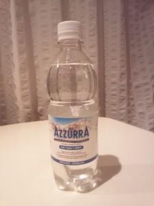 イタリアの微炭酸硬水アズーラ(AZZURRA)